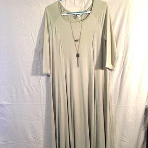 Canari Pistacio Maxi Dress